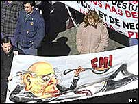 Protest in Montevideo against economic crisis, 2002