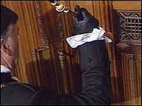 Photo of Black Rod knocking at the Commons' door