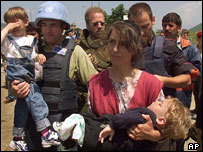 Refugees from Kosovo cross into Albania during 1998 conflict