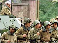 Troops outside Armenian parliament 1999