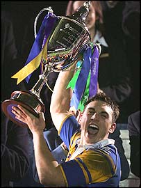 Leeds skipper Kevin Sinfield holds aloft the World Club Challenge trophy