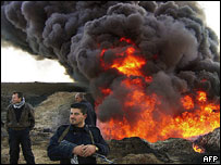 Pipeline burns after insurgent attack near Kirkuk 2005