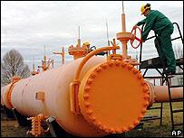Russia cuts off gas