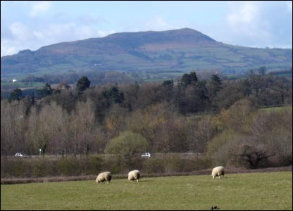 The Blorenge as seen from the old Abergavenny road, near Raglan (John Parker)