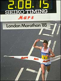 Steve Jones wins the 1985 London Marathon