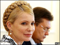 Yulia Tymoshenko (left), Viktor Yanukovych  