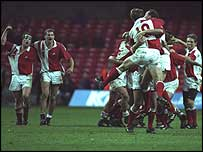 Canada celebrate at Cardiff Arms Park in 1993