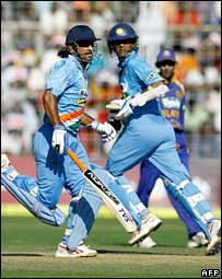 Mahendra Singh Dhoni and Rahul Dravid