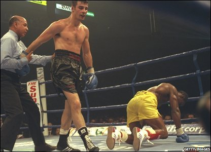 Joe Calzaghe knocks down Chris Eubank