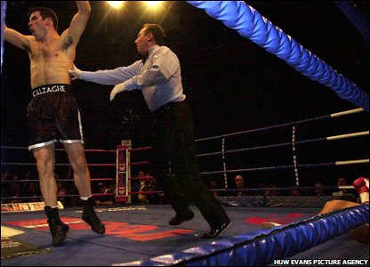 Calzaghe celebrates as Mario Viet sees stars