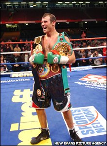 Calzaghe shows off his world titles