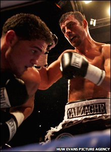 Calzaghe lets fly against Peter Manfredo Jr