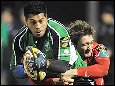 Connacht's Niva Ta'auso is tackled by Darren Daniel of the Scarlets