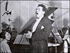 Mostyn Thomas performs at BBC's Cardiff station 5WA in 1923.