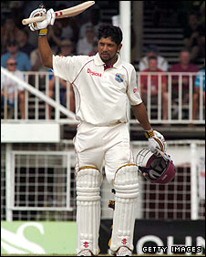 Ramnaresh Sarwan celebrates after reaching his 13th Test century
