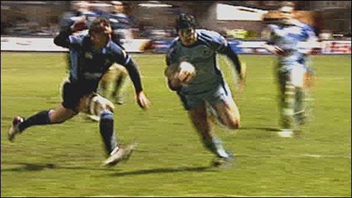 Cardiff Blues score against Glasgow Warriors