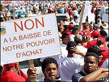 Protest in Saint-Denis on Reunion, 5 Mar 09