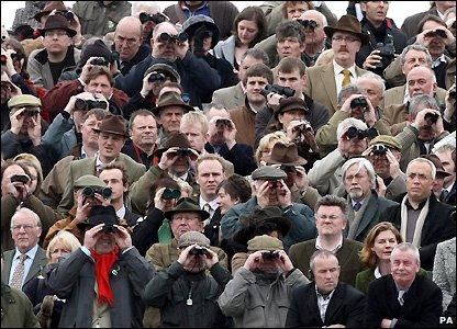 Cheltenham racegoers