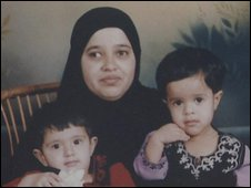 Maryam Kallis and her children