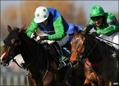Comply or Die and Mon Mome battle to the line
