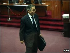 Alberto Fujimori leaves the courtroom at the end of his trial on 7 April 2009