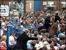 Liverpool fans outside Hillsborough stadium, 1989