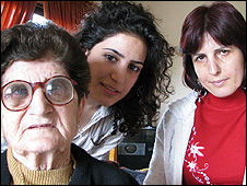 Lucine, her daughter Madlen and her granddaughter Lale