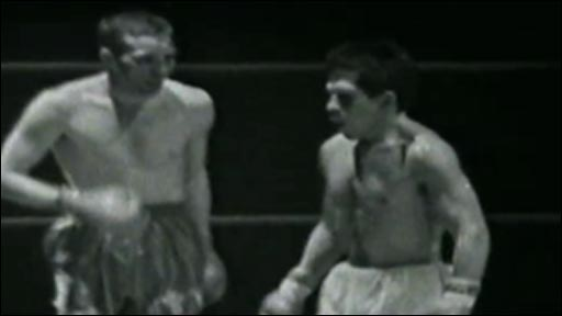 Howard Winstone and Vicente Saldivar clash at Ninian Park in their second fight