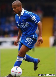2003: Wales striker Robert Earnhsaw in action during the season he scored 31 league goals to break Cardiff City's goal-scoring record