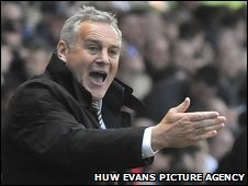 Cardiff manager Dave Jones shows his displeasure at Sheffield Wednesday