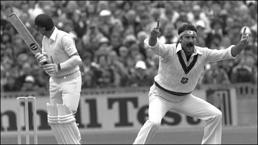 Dennis Lillee appeals against Geoff Boycott at Old Trafford in 1981