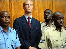 Thomas Cholmondeley (C) (Photo: Simon Maina/AFP/Getty Images)