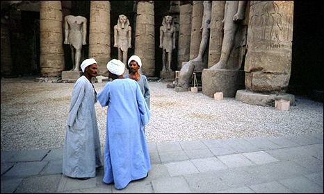 Egyptian men in galabeyyas