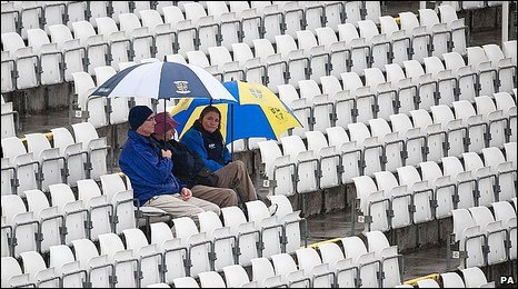 A few hardy spectators braved the conditions