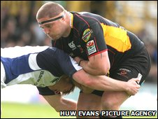 Dragons prop Rhys Thomas
