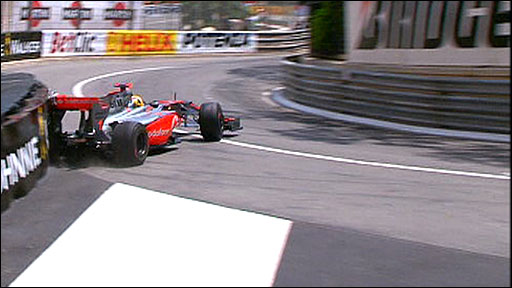 Lewis Hamilton crashes at Monaco