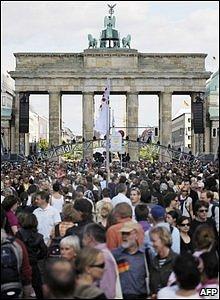 Crowds outside the Brandenburg Gate.