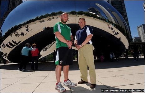 USA rugby coach Eddie O'Sullivan (right) with Wales counterpart Robin McBryde