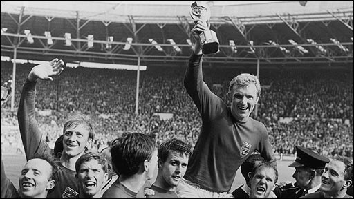 Bobby Moore lifts the Jules Rimet trophy