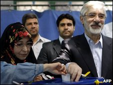 Mir Houssein Mousavi and his wife, Zahra Rahnavard, voting