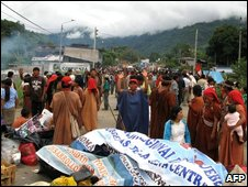 Indigenous protesters at a roadblock in Andahuaylas, 600 km east of Lima on 15 June  2009