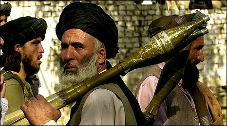 Taliban fighter in Torkham 2001