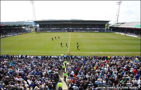 Ninian Park enjoys its last stand