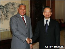 Fiji ruler Frank Bainimarama meeting Chinese premier Wen Jiabao, Beijing, Aug 08