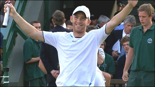 Dudi Sela celebrates beating Tommy Robredo