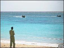 Search teams off Galawa beach,07/03