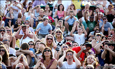 Henman Hill as Andy Murray loses to Andy Roddick