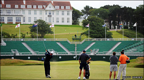 Tiger Woods gets his eye in at Turnberry