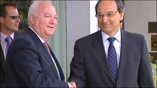 Miguel Angel Moratinos and Peter Caruana