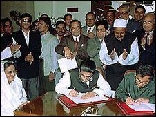 The government and rebels sign the peace treaty in January 1998